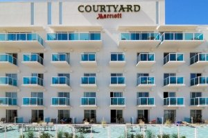 exterior of Courtyard by Marriott